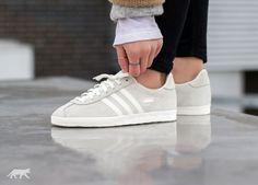 adidas Gazelle OG W (Off White / Off White / Silver Metallic)