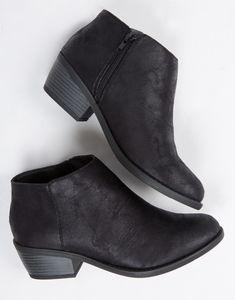 Clarks Originals Desert Women&39s Classic Suede Ankle Boots (Beeswax