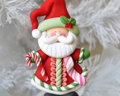 SANTA~This is s one of a kind, handcrafted ornament made of durable polymer clay, with much attention given to detail and careful construction. Polymer Clay Ornaments, Polymer Clay Projects, Polymer Clay Creations, Polymer Clay Crafts, Polymer Clay Jewelry, Fimo Kawaii, Polymer Clay Christmas, Christmas Decorations, Christmas Ornaments