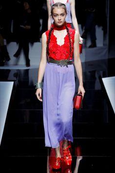 Sfilata Emporio Armani Parigi - Collezioni Primavera Estate 2017 - Vogue