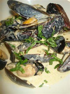 A White Wine & Creamy Garlic Mussel Pot …. |