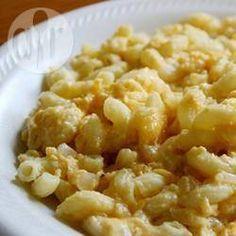 Mac 'n' cheese - Kinderen vinden het heerlijk en het is heel erg makkelijk om te maken. Ook lekker als je er wat hamblokjes doorheen doet!