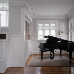 Ben Moore: White Dove OC-17 woodwork, Decorators White ceiling, Grey Horse walls