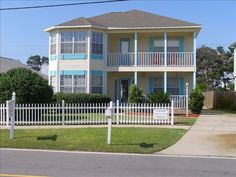 5) $507 5 bed private pool 2 blks from beach