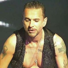 「dave gahan photo devotional hand on chest mic long hair」の画像検索結果 Down To The Bone, Burning Love, Martin Gore, Dave Gahan, Long Hair Styles, Well Well, Sexy, Spirit, Smile