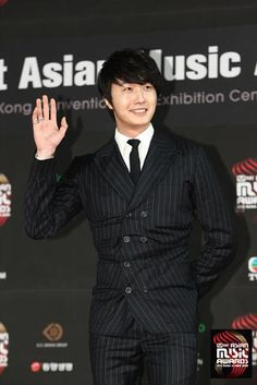 Jung Il Woo on Red Carpet MAMA 2012