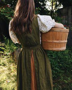 Old Dress, Dress Up, Vintage Dresses, Vintage Outfits, Vintage Fashion, Vintage Mode, Looks Vintage, Modest Fashion, Aesthetic Clothes