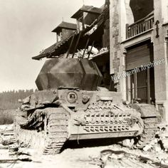 """Flakpanzer IV Wirbelwind (Whirlwind) Wirbelwind was one of the successors of Flakpanzer IV Möbelwagen armed with the 37 mm Flak 43 L/89. In May 1944, the first prototype of Wirbelwind (Whirlwind) using the chassis of Panzer IV was produced. This conversion was to be carried out starting from PzKpfw IV (Panzer IV) damaged and returned from the front (mainly Ausf.F/G). The concept of Wirbelwind comes from Karl Wilhelm Krause, an officer of 12th SS-Panzer Division """"Hitler Jugend"""""""