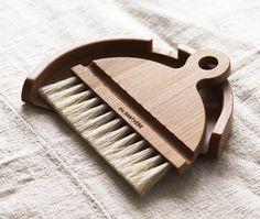 Iris Hantverk - handmade brushes by visually impaired craftspeople