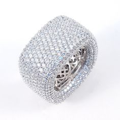 Jewelry Buzz Box has all the latest ring trends. Buy sterling silver and fashion style engagement, stackable bands, birthstones, full-finger, and cocktail rings Large Wedding Rings, Jewelry Rings, Royal Jewelry, Jewellery, Jewelry Box, Fine Jewelry, Beautiful Diamond Rings, Wave Ring, Diy Schmuck