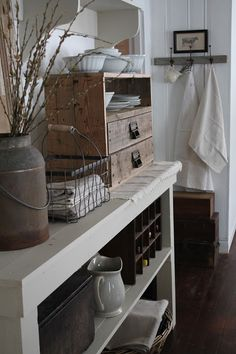 FARMHOUSE 5540: I love how basic and homey and cozy everything looks.