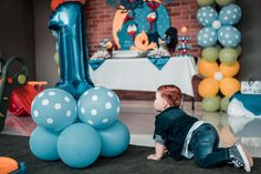 Easy and Simple Steps to Teach Your Baby how to Crawl - Baby Vato 1st Birthday Party Themes, Birthday Party Decorations, Get On The Floor, Crawling Baby, Party Entertainment, Twin Babies, New Parents, Something To Do, Balloons