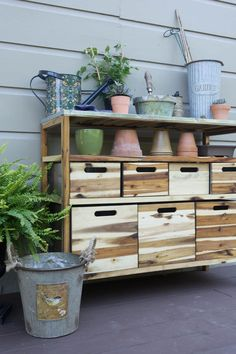 Green thumb or not, adding a  potting shed near your garden is a great way to…