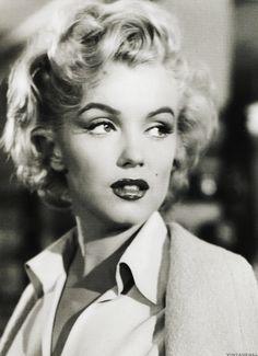 """vintagegal: """" Marilyn Monroe in Niagara (1953) """""""