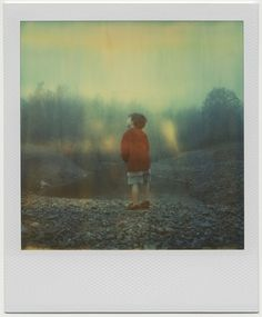 A Strange New World de Elinor A Scott sur Art Limited Photo Polaroid, Polaroid Pictures, Polaroids, Emotional Photography, Film Photography, Street Photography, Dark Art Illustrations, Illustration Art, Animal Collective