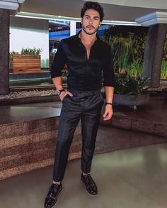 Black on Black Handsome Men Quotes, Handsome Arab Men, Beautiful Women Quotes, Beautiful Men Faces, Suit Fashion, Mens Fashion, Stylish Men, Men Casual, Strong Woman Tattoos