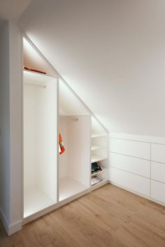 This particular attic closet is genuinely a magnificent style concept. Attic Bedroom Storage, Attic Bedroom Small, Attic Bedroom Designs, Loft Storage, Attic Bedrooms, Attic Design, Upstairs Bedroom, Attic Spaces, Closet Bedroom