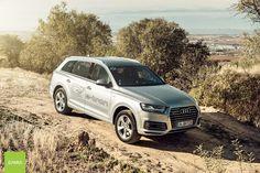 Das Beste aus zwei Welten – der Audi Q7 e tron 3.0 TDI quattro. Fotos: Simninja.de --------------------------------------- 275 kW (373 PS) Systemleistung // 0 auf 100 km/h in 6,0 Sekunden // Kraftstoffverbrauch kombiniert: 1,7 l/100 km / CO2-Emission kombiniert: 41 g/km