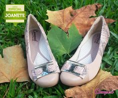 Os sapatos Campesí são muito mais confortáveis, pois contam com uma forma anatômica com contorno mais largo, que acomoda melhor o pé.