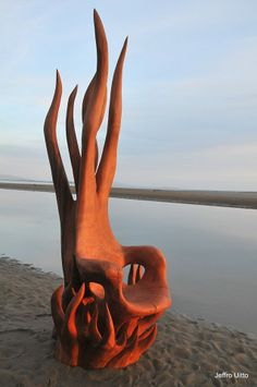 Driftwood Furniture: Practical Projects for Your Home and Garden - Driftwood 4 Us Unusual Furniture, Log Furniture, Woodworking Furniture, Furniture Design, Tree Carving, Wood Carving Art, Wood Carvings, Driftwood Sculpture, Driftwood Art