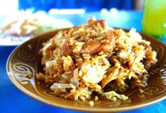 Nasi goreng ayam - Fried rice with chicken Lombok style - authentic Indonesian recipe from a street restaurant on Lombok island, Indonesia (source: my personnal food and travel blog / vlog with recipes, authentic video recipes, street food, food and travel documentary, travel info and more. Welcome! :) )