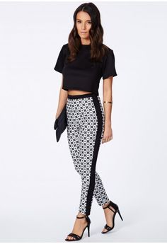 Myriam Geometric Print Trousers In Monochrome - Trousers - Tailored Trousers - Missguided