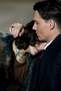 Marion Cotillard and Johnny Depp in Public Enemies