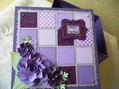 Linda caixa em madeira, pintada por dentro e por fora, decorada com materiais para scrapbook. <br>Fazemos nas cores de sua preferência, o padrão dos papéis serão os disponíveis no momento da confecção da peça.