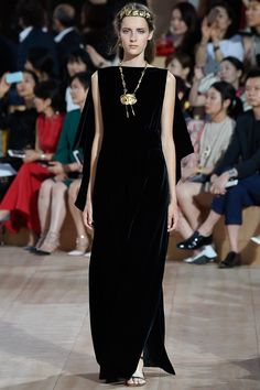 Elegant Black Sleeveless Evening Gown - Valentino Fall 2015 Couture Collection Photos - Vogue