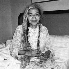 "A rare photo of Rosa Park taking down her hair before bedtime. ""Aware of the racial politics of hair and appearance, she tucked it away in a series of braids and buns — maintaining a clear division between her public presentation and private person."" - Jeanne Theoharis {huffington post}"