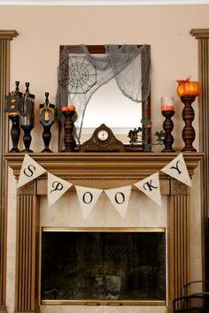 SPOOKY Halloween burlap banner - HALLOWEEN burlap banner - decoration FALL decor via | http://garlandberneice.blogspot.com