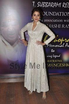 Oct, 13: Anushka Sharma in Abu Sandeep at Yash Chopra Memorial Awards