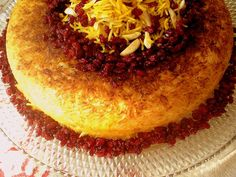 iranian food Turmeric and Saffron: Tah-Chin - Persian Upside Down Layered Saffron Rice & Chicken! Iranian Dishes, Iranian Cuisine, Middle Eastern Dishes, Middle Eastern Recipes, Persian Rice, Persian Chicken, Saffron Recipes, Iran Food, Saffron Rice