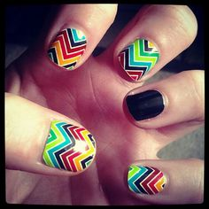 Multi Colored Chevron w/ Black Accent Nail