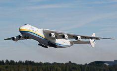 O Antonov AN-225 pode transportar até 300 toneladas de cargas (Divulgação)