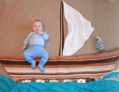 Boat Funny Baby Photos, Monthly Baby Photos, Newborn Baby Photos, Baby Poses, Baby Boy Newborn, Baby Pictures, Funny Baby Photography, Newborn Baby Photography, Baby Kalender
