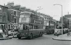 London Trolleybus-Finsbury Park, Isledon Road by the Astoria/Rainbow London Bus, Old London, London Transport, Public Transport, Finsbury Park, Commercial Vehicle, Old Pictures, Buses, Family History