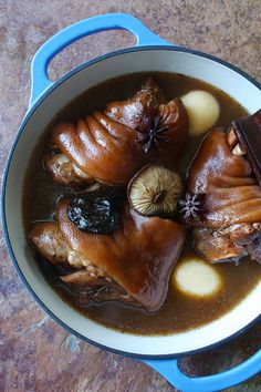 "KHAO KHA MU (stewed pork hocks on rice) ~~~ this post shares with us the recipe of the famous beloved dish sold at portland's, ""nong's knao man gai"". [Thailand] [Narumol ""Nong"" Poonsukwattana] [shesimmers]"