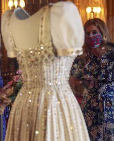 Princess Beatrice Wedding, Princess Eugenie And Beatrice, Royal Wedding Gowns, Royal Weddings, Wedding Dresses, Royal Uk, Kate And Meghan, Royal Clothing, Hollywood Fashion