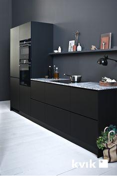 Prato black Scandinavian kitchens from kvik kitchen, bathroom . Kitchen Nook, Living Room Kitchen, New Kitchen, Living Room Decor, Scandinavian Kitchen, Dark Interiors, Black Kitchens, Apartment Design, House Rooms