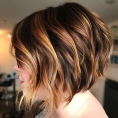 60 Layered Bob Styles: Modern Haircuts with Layers for Any Occasion - Aktuelle Damen Frisuren Short Choppy Bobs, Short Layered Haircuts, Layered Bob Hairstyles, Wavy Bobs, Modern Haircuts, Short Hair Cuts, Simple Hairstyles, Long Hairstyles, Boy Haircuts