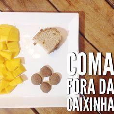 Bom dia!!! #CaféDaManhã   leite de aveia com mamão e maçã;  manga;  pão integral caseiro com manteiga;  biscoito de cacau.   #ComaForaDaCaixinha e varie sempre nas opções servidas! Rotatividade é o grande segredo!!!   #MaternidadeColorida #BlogMC #DicaMC #DicaDaNutri #AlimentacaoInfantil #AlimentaçãoInfantil #NutriçãoComAmor #NutricaoInfantil #NutriçãoInfantil #NutricionistaInfantil #ComidaDeVerdade #ComidadeDeCriança #ComaForaDaCaixinha #BlogDeMãe #MomBloggers #ReceitasMaternidadeColorida