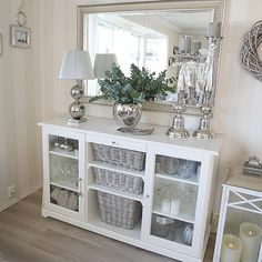 Picture belongs to: Cathrine Dahlberg _________________________________________ … - Home Page Home Living Room, Living Room Decor, Bedroom Decor, Hallway Inspiration, Interior Inspiration, Hallway Decorating, Entryway Decor, Flur Design, Dining Room Design