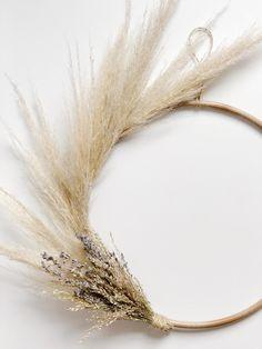 Pampas Lavender Modern Wreath for Boho Décor   Etsy Dried Flower Wreaths, Dried Flowers, Fake Flowers, Couronne Diy, Boho Wedding Decorations, Holiday Decorations, Seasonal Decor, Fall Decor, Grass Decor