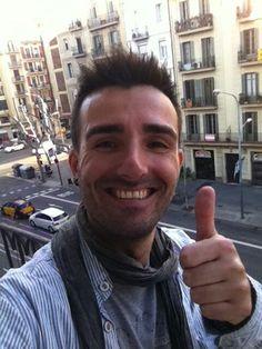 """Por @angelferre77 """"#sonrioporque vamos a salir de esta #crisi y pq estoy seguro q en breve encontraré trabajo"""""""