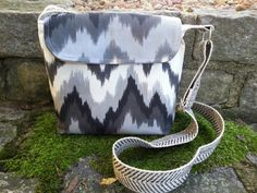 Crossbody bag Hip Bag Small Messenger Grey by BirdOnAWireBags