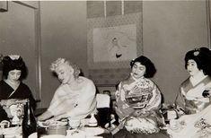 Marilyn Monroe (ritamarlowe: Marilyn Monroe in Japan in February. Marilyn Monroe Photos, Marylin Monroe, Believe, Joe Dimaggio, Rare Images, Norma Jeane, Vintage Hollywood, Geisha, American Actress