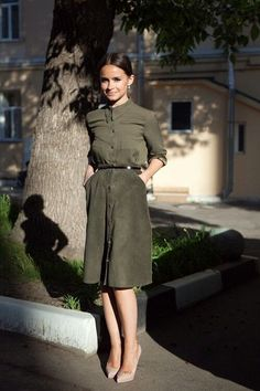 Miroslava Duma in khaki shirt & suede skirt Mira Duma, Miroslava Duma, Fashionista Trends, Mode Outfits, Skirt Outfits, Work Fashion, Modest Fashion, Style Fashion, Fashion Fall