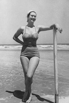 Bodacious bathing suit beauty | by Retroglamourfan