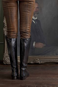 who wouldn't want to wear leather/suede riding leggings and tall leather riding boots???